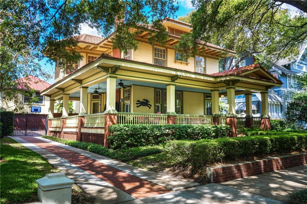 Photo of home for sale at 839 NEWPORT AVENUE S, Tampa FL