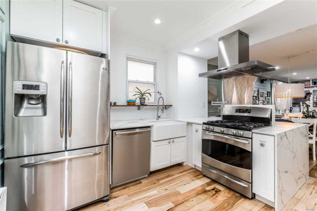 Residential, Colonial - Flushing, NY