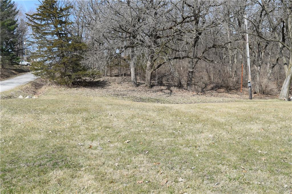 Photo of home for sale at 8459 Lakeshore Drive, Dexter IA