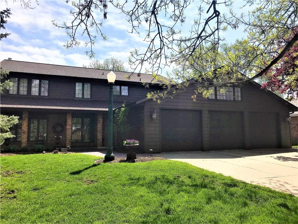 Photo of home for sale at 1906 Stevenson Drive, Ames IA
