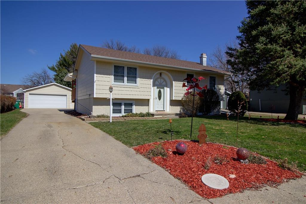 Photo of home for sale at 619 Gordon Avenue, Norwalk IA