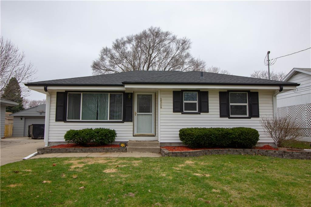 Photo of home for sale at 2508 42nd Street E, Des Moines IA