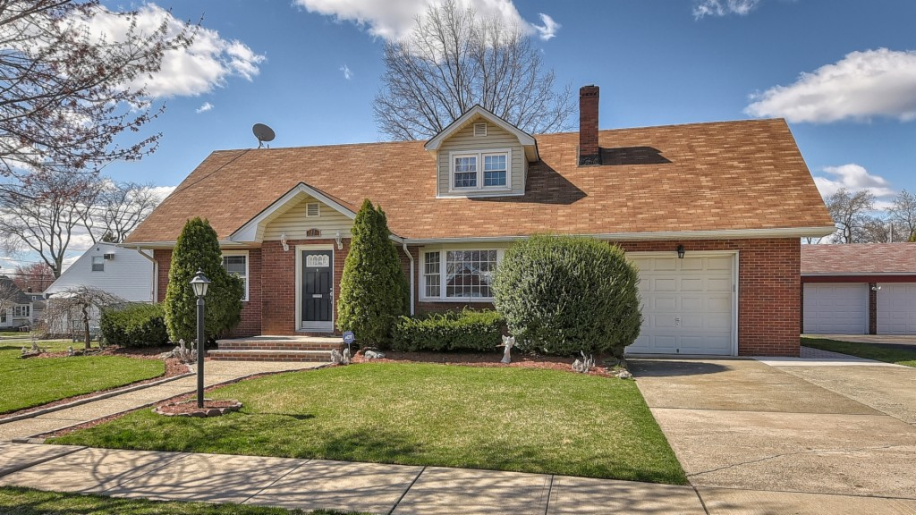 11 PINE HILL DR, Clifton, New Jersey