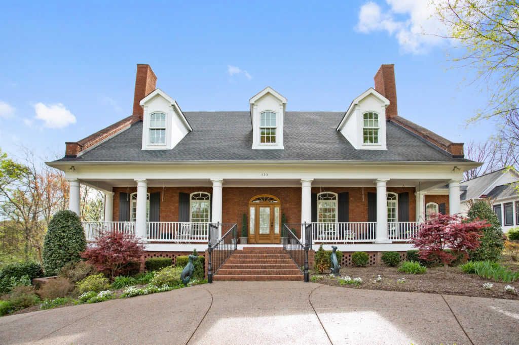 Photo of home for sale at 723 Glass Ln, Franklin TN