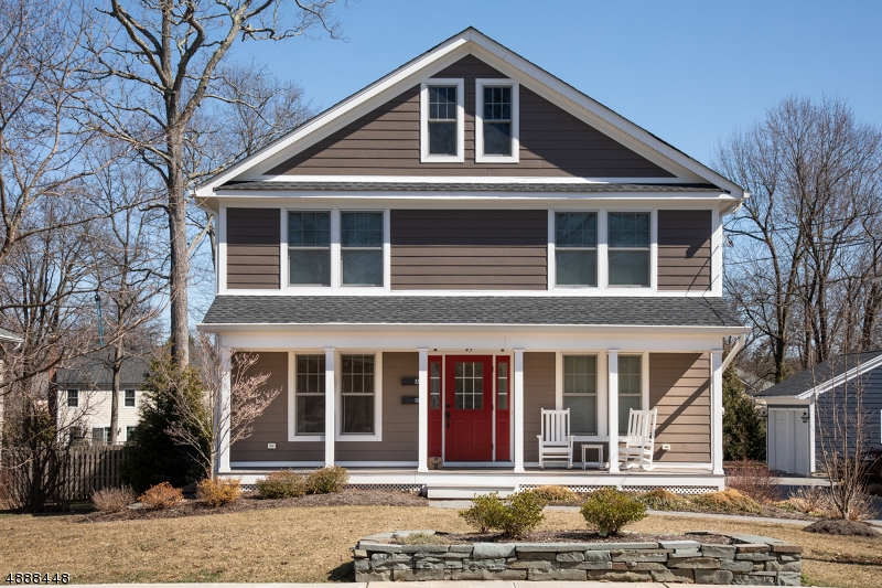 Photo of home for sale at 49 SUMMIT AVE, Chatham Boro NJ