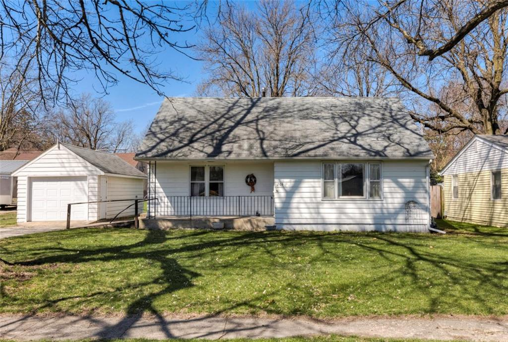 Photo of home for sale at 203 13th Street, Dallas Center IA