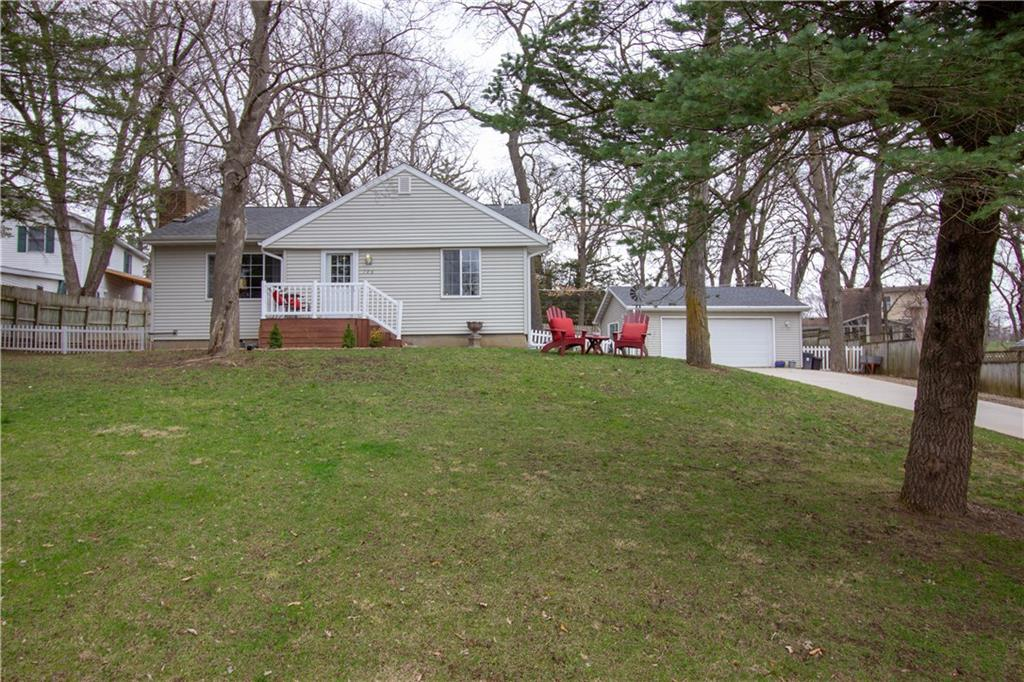Photo of home for sale at 106 Park Lane, Newton IA