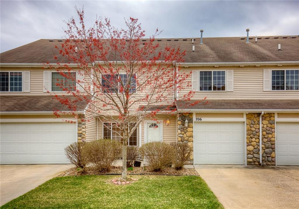 Photo of home for sale at 3799 Village Run Drive, Des Moines IA