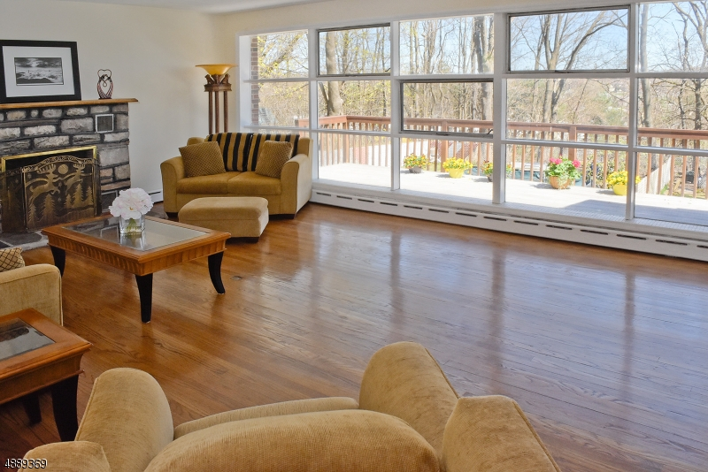 Photo of home for sale at 15 VALLEY VIEW AVE, Randolph Twp. NJ