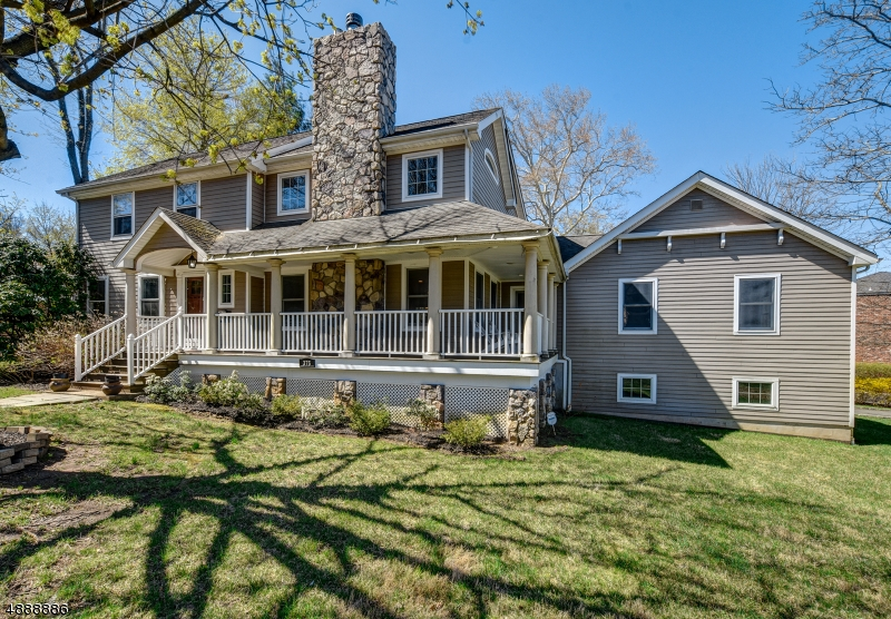 Photo of home for sale at 375 SOUTH ST, New Providence Boro NJ