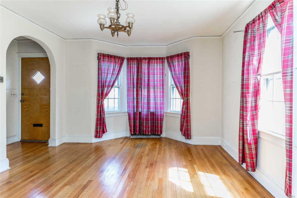 Residential, Colonial - Little Neck, NY