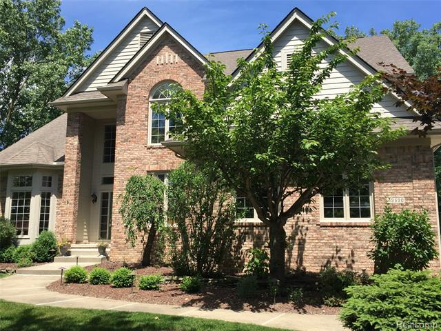 Photo of home for sale at 49590 Deer Run, Novi MI