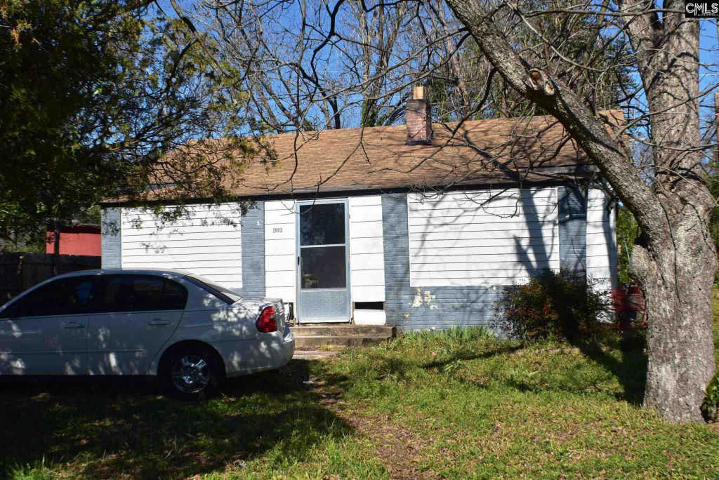 Photo of home for sale at 2003 Marshall Street, Columbia SC