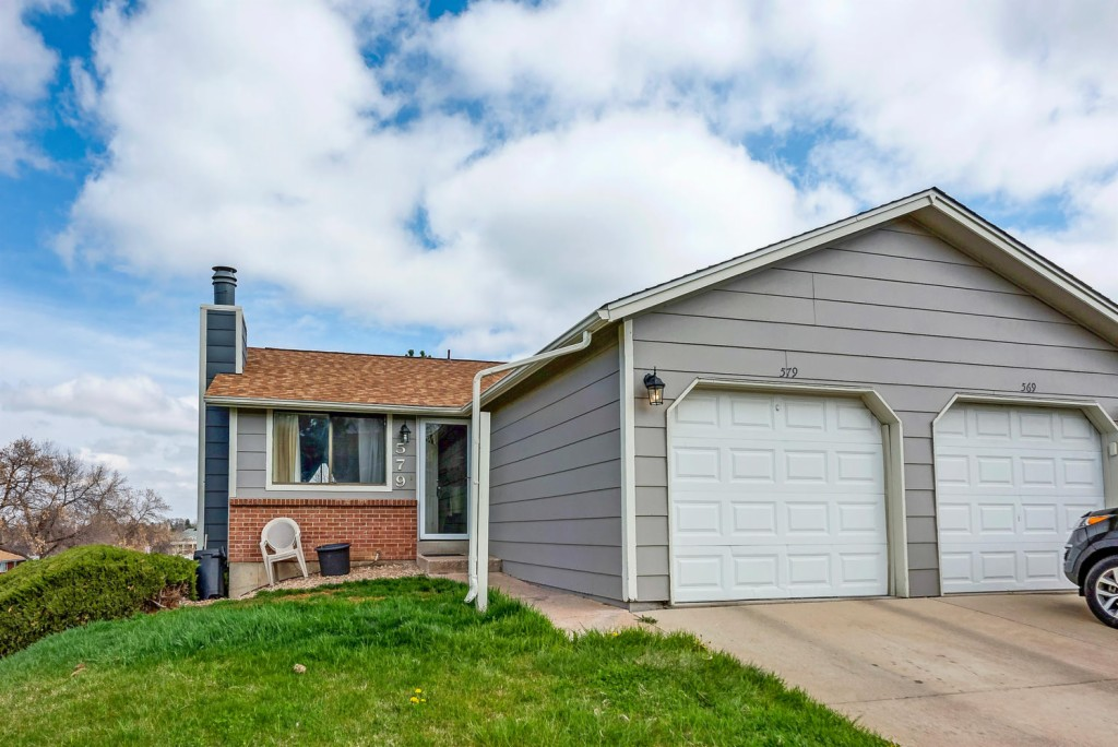 Photo of home for sale at 579 Berry Circle W, Littleton CO