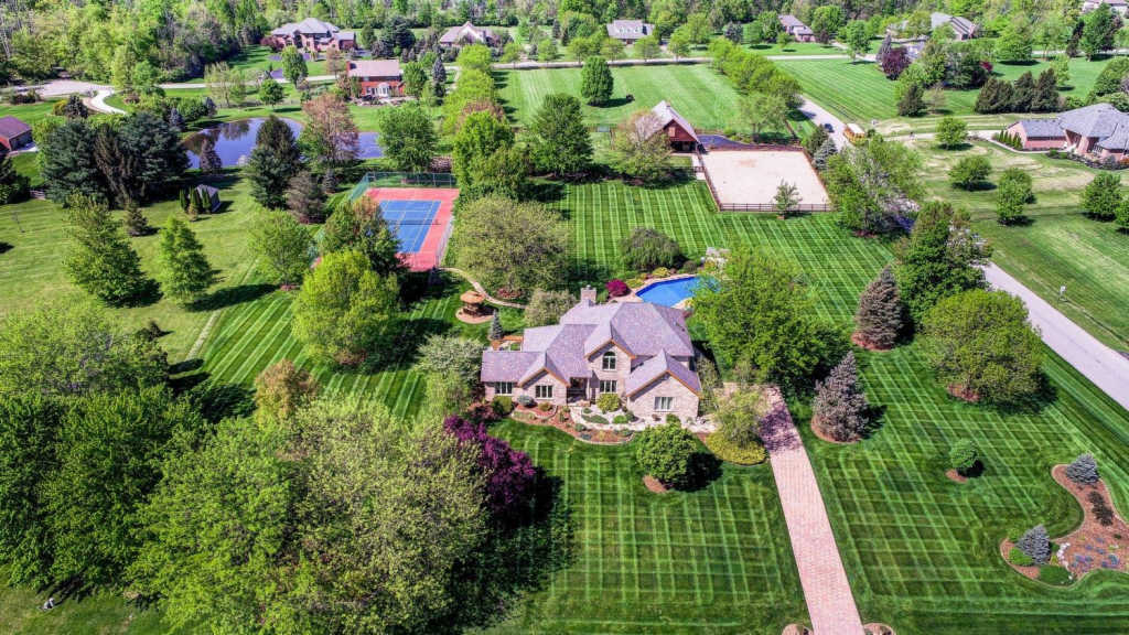 2882 Red Bird Drive, one of homes for sale in Lebanon