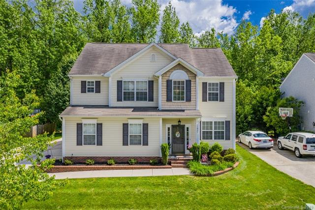 Photo of home for sale at 11926 Journeys End Trail, Huntersville NC
