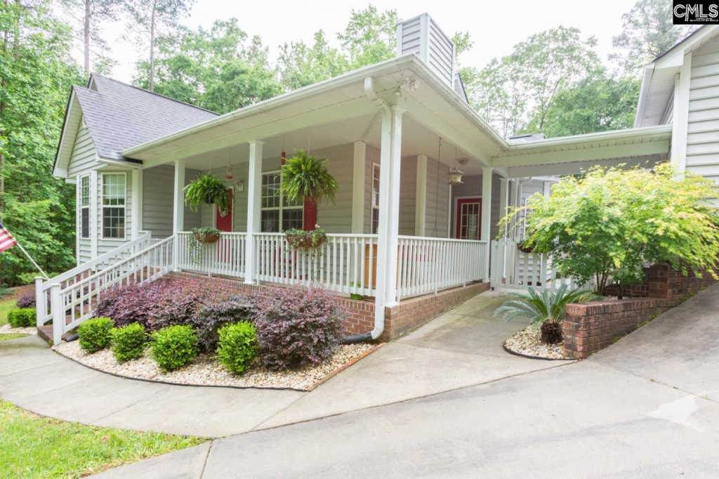 Photo of home for sale at 109 Blythewood Point Drive, Blythewood SC