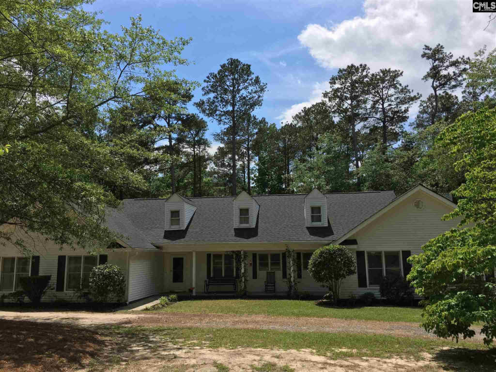 Photo of home for sale at 133 Tam O Shanter Drive, Blythewood SC