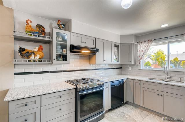 Photo of home for sale at 5121 Chandler Way, Denver CO