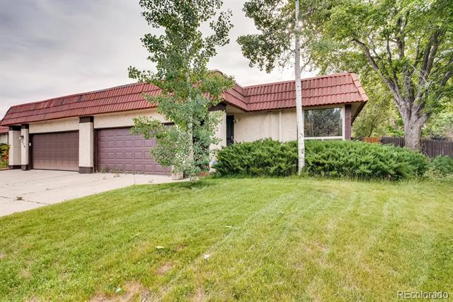Photo of home for sale at 1452 Troy Street South, Aurora CO
