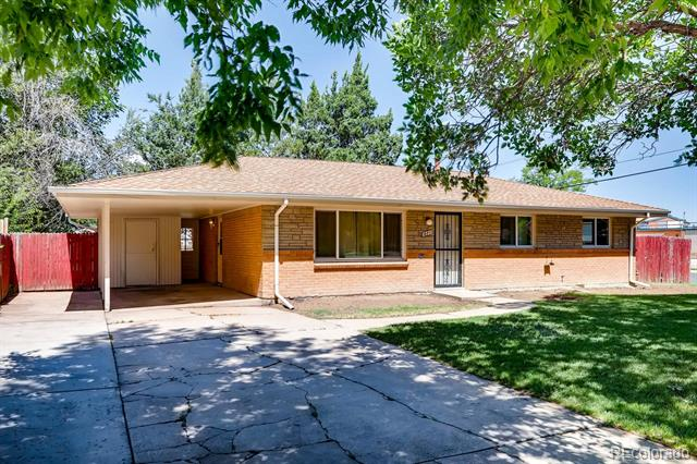 Photo of home for sale at 471 Lansing Street, Aurora CO