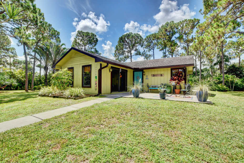 Photo of home for sale at 12736 68th Street, West Palm Beach FL
