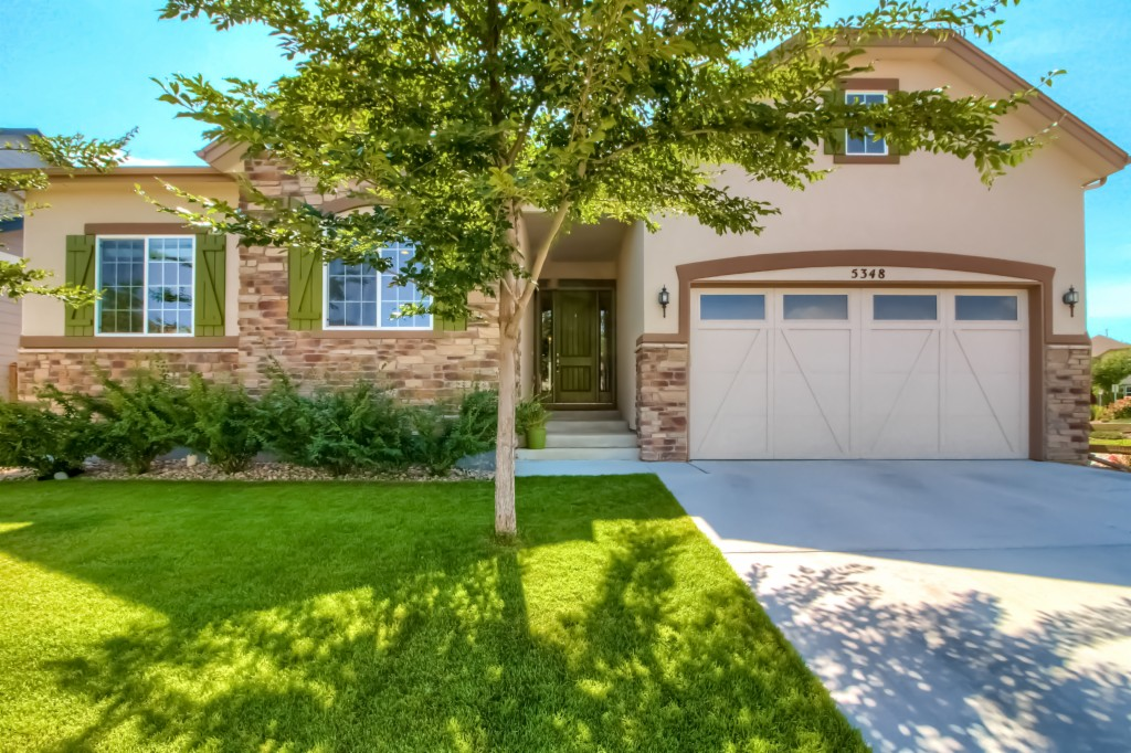 Photo of home for sale at 5348 Retreat Circle, Longmont CO