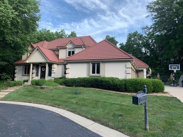 8472 Maplewood Lane, Lenexa in Johnson, KS County, KS 66215 Home for Sale