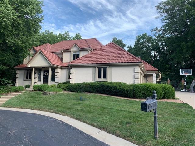 8472 Maplewood Lane, Lenexa in Johnson, KS County, KS 66215 Home for Sale
