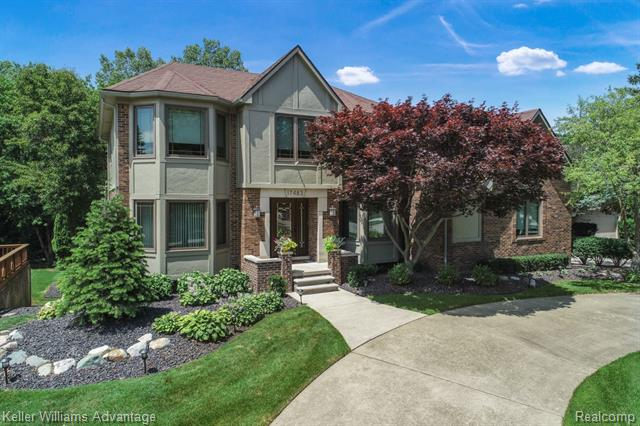 Photo of home for sale at 17483 Ellen Drive, Livonia MI