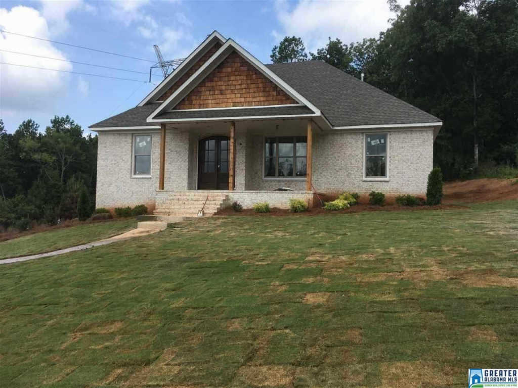 Photo of home for sale at 3022 Chelsea Ridge Trl, Chelsea AL