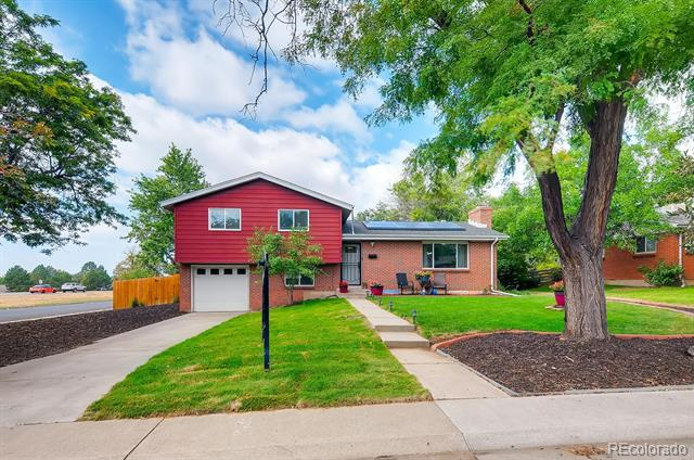 Photo of home for sale at 605 Elkhart Street, Aurora CO