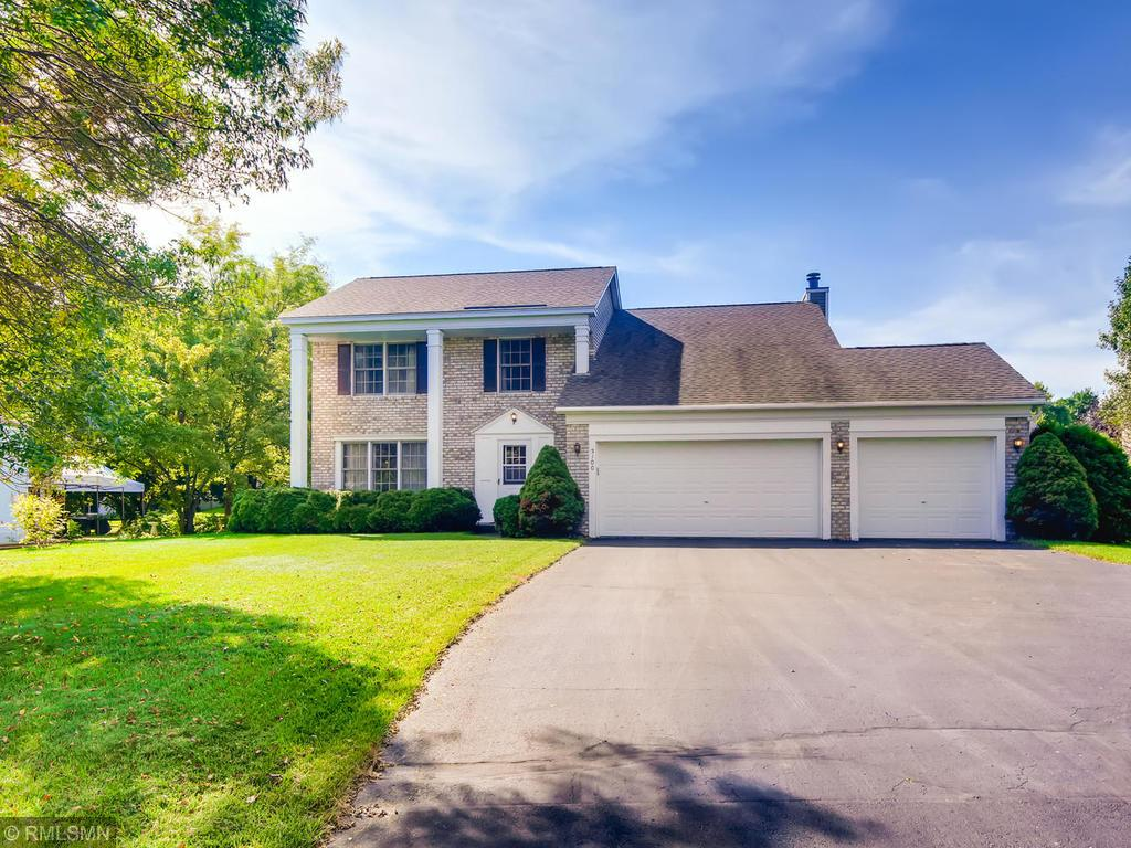 Photo of home for sale at 3100 Copper Oaks Draw, Woodbury MN