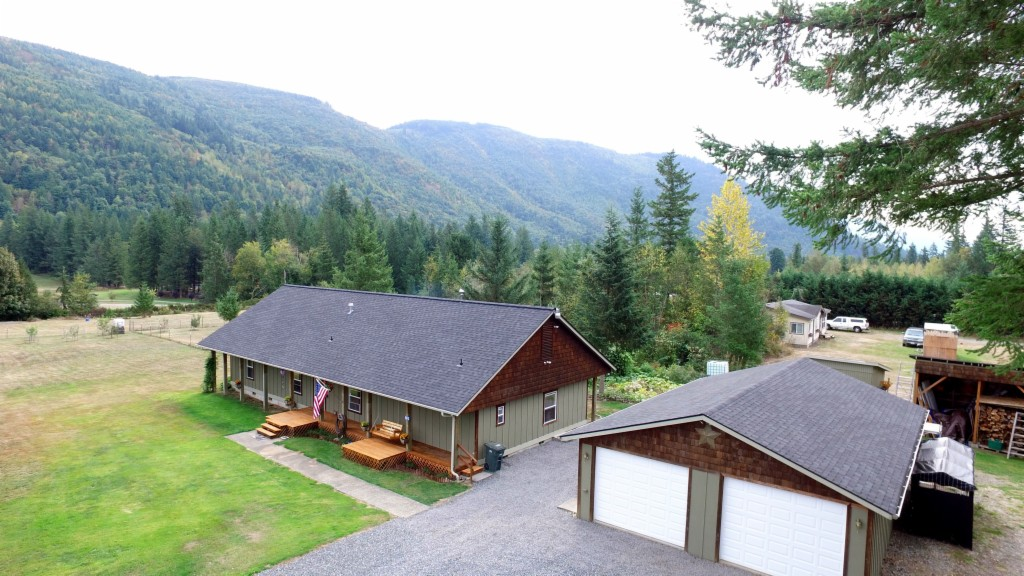 Photo of home for sale in Maple Falls WA