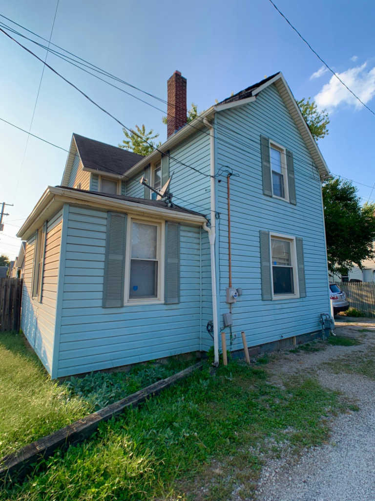 Photo of home for sale at 333 Gates Street E, Columbus OH