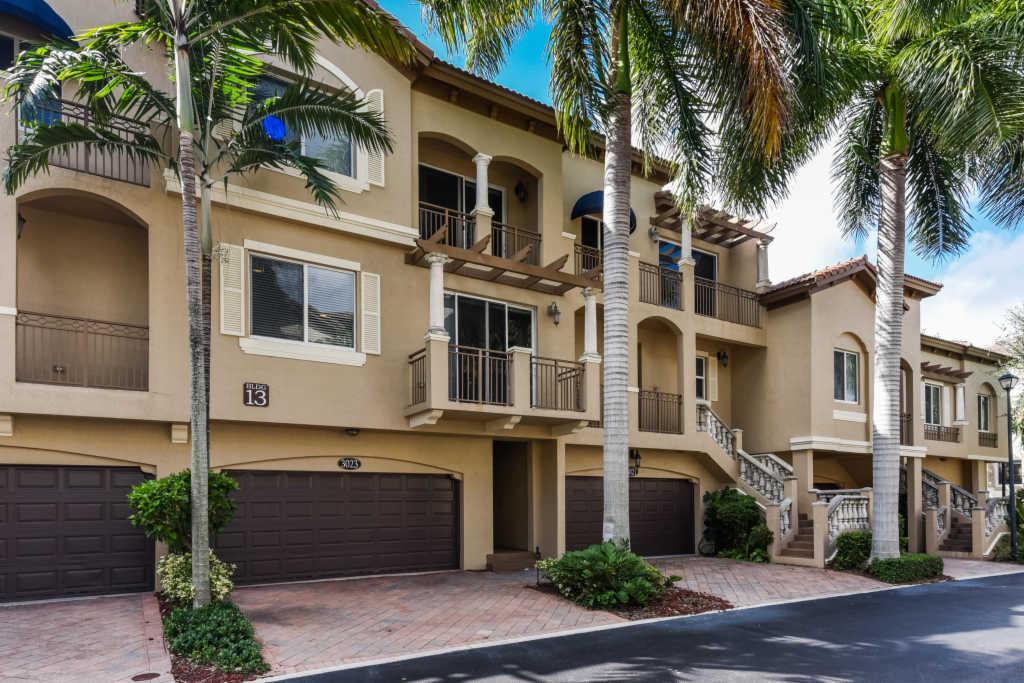 Photo of home for sale at 3023 Waterside Circle, Boynton Beach FL