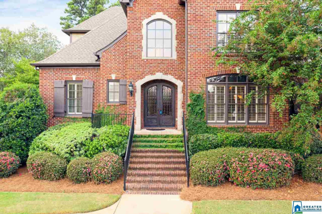 Photo of home for sale at 4001 Butler Springs Pl, Hoover AL