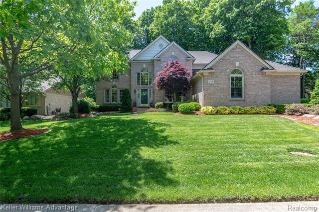Photo of home for sale at 43509 Castlewood, Novi MI