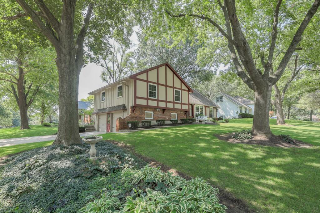 10503 W 97th Terrace, Overland Park, Kansas