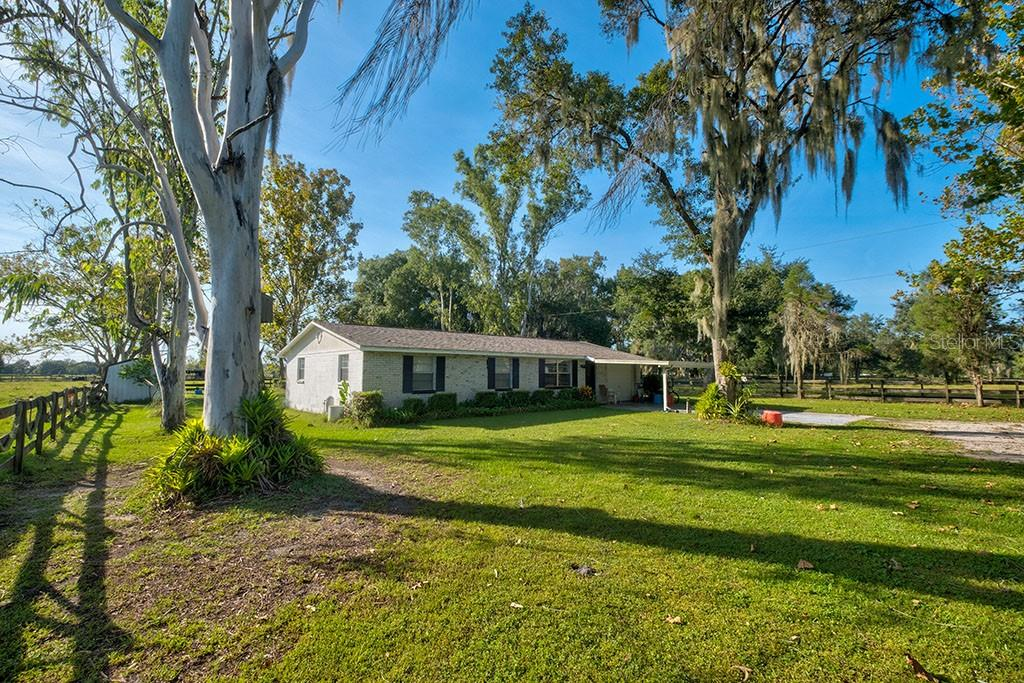Photo of home for sale in Lithia FL