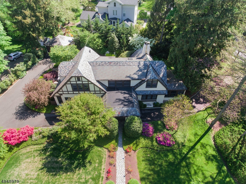 Photo of home for sale at 1 OAKLEY AVE, Summit City NJ