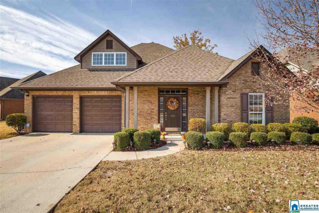 Photo of home for sale at 289 Creekside Ln, Pelham AL