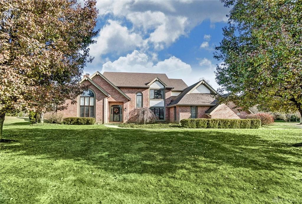 Photo of home for sale at 2476 Indian Wells Trail, Sugarcreek Township OH