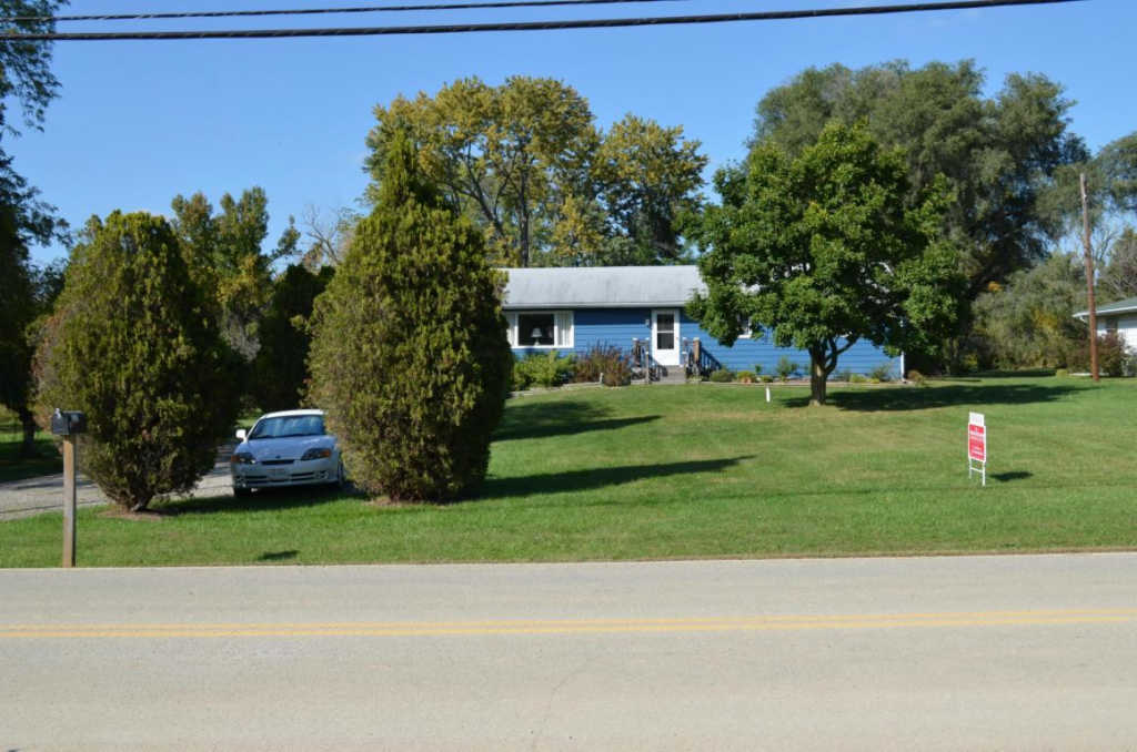Photo of home for sale at 3876 Bright Road, Dublin OH