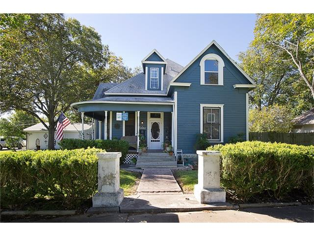 Photo of home for sale at 409 Clark ST W, Bartlett TX