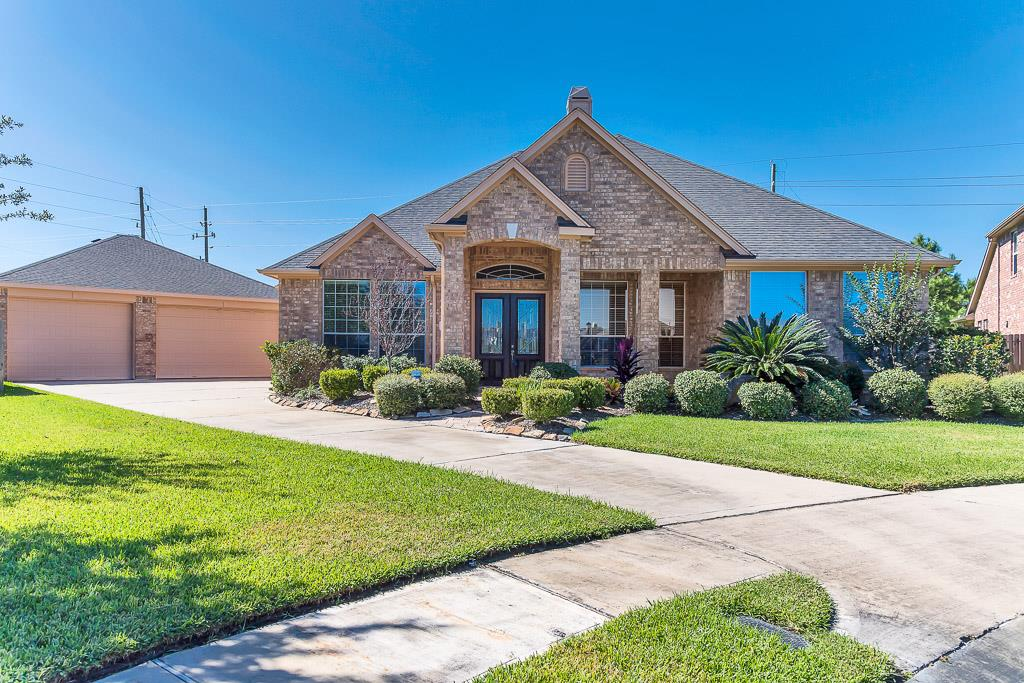 Photo of home for sale at 14803 Opera House Row Drive, Cypress TX