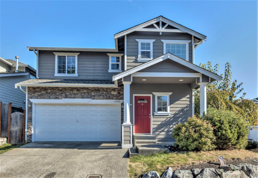 Photo of home for sale at 13929 26th Ave W, Lynnwood WA