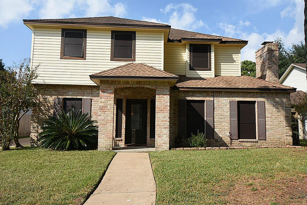 Photo of home for sale at 10314 Waving Fields Drive, Houston TX