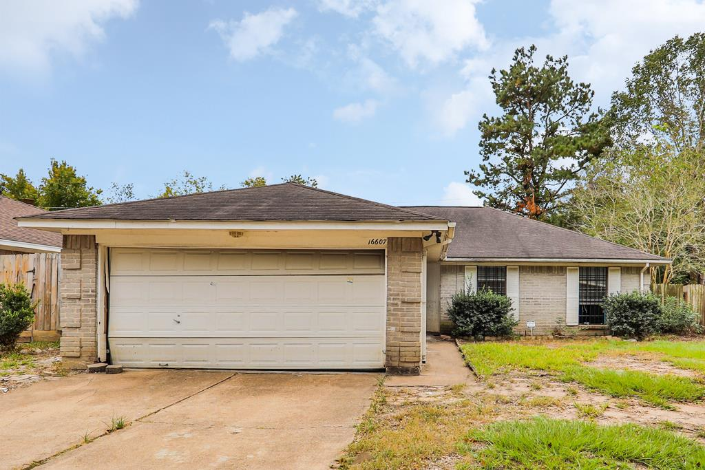 Photo of home for sale at 16607 Park Scot Drive, Houston TX