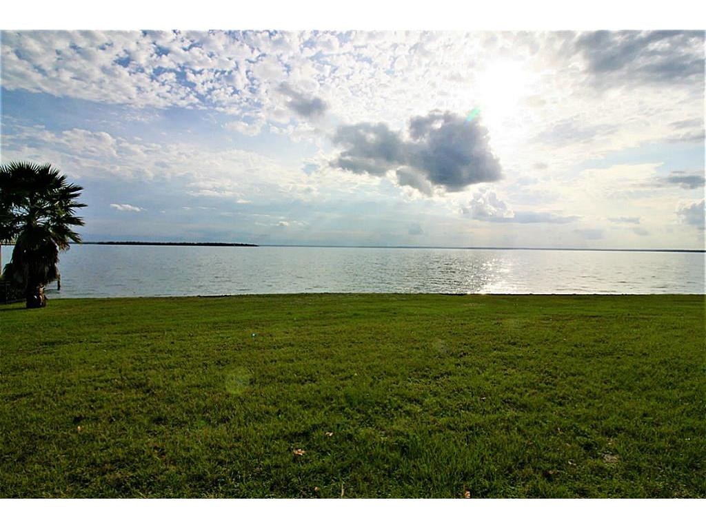 Photo of home for sale at 195 Treasure Point, Onalaska TX